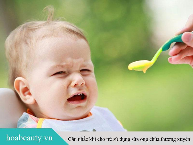 Nên tìm hiểu trước khi cho trẻ em uống sữa ong chúa thường xuyên